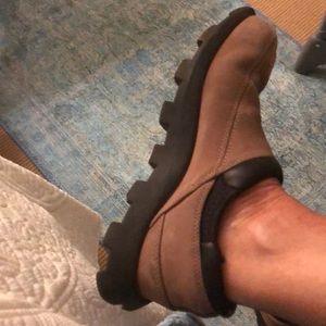 Salomon women's shoes